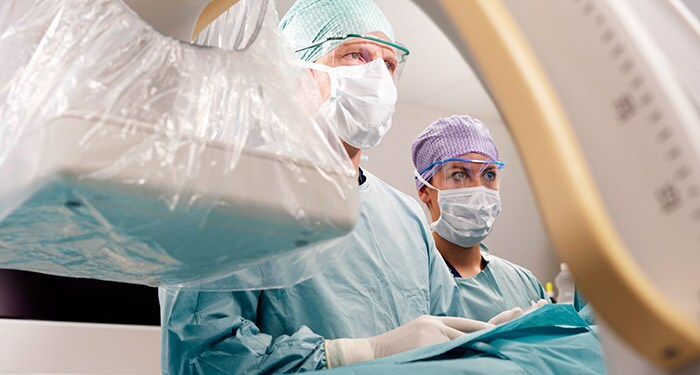 Vascular surgery with a Mobile C-arm solution
